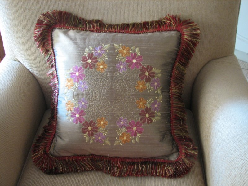 Image of monicafloral2pillow.jpg